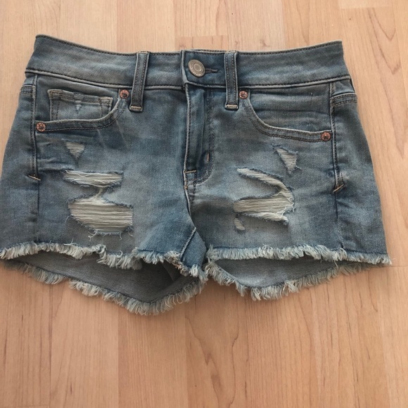 American Eagle Outfitters Pants - American Eagle ripped jean shorts!